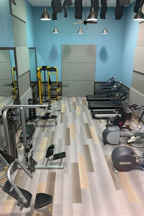 Apartment Fitness Center by Apartments With Washer And Dryer Amenities At Royal