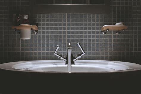 How to Fix a Loud, Screeching or Squealing Faucet   DIY