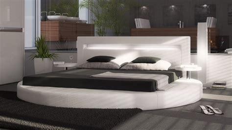lit rond design  en simili blanc avec eclairage