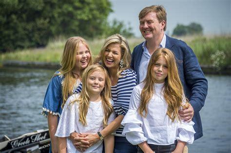 koninklijk huis familie koninklijk gezin straalt op nieuwe jaarlijkse zomerfoto s