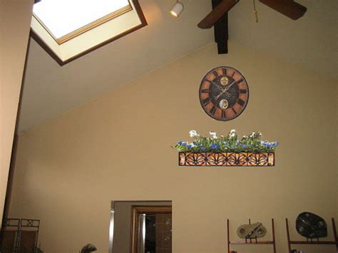 Decorating Ideas Vaulted Ceilings by Ideas For Walls With Cathedral Ceilings Interior