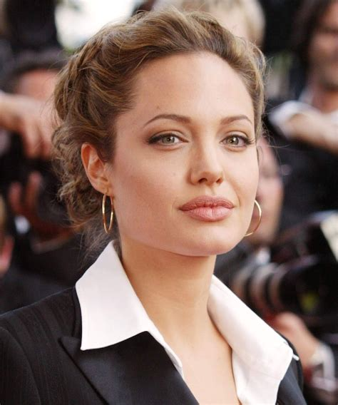 Angelina Jolie forbade Brad Pitt to introduce his daughter ...