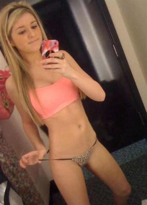 54 best Selfies images on Pinterest   Hot selfies, Brunettes and Hot girls