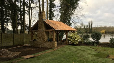 Building a Lapa in Marlow - Thames Valley Landscapes