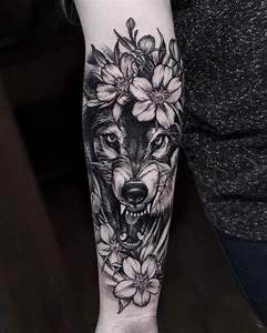Tatouage Loup Graphique : pingl sur tattoos women ~ Mglfilm.com Idées de Décoration