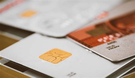 You must have sufficient income to repay your credit card balance, especially if you're under age 21. What kind of credit cards should low income earners get? - 24Cash