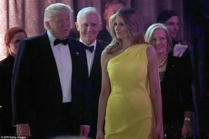 Melania Trump glows in yellow in New York | Daily Mail Online