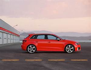 Audi Rs3 Sportback : audi rs3 sportback specs 2015 2016 2017 autoevolution ~ Nature-et-papiers.com Idées de Décoration