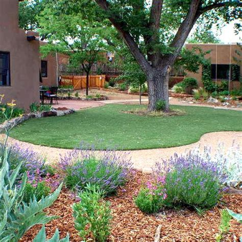 artificial grass landscaping ideas 25 best ideas about fake lawn on pinterest