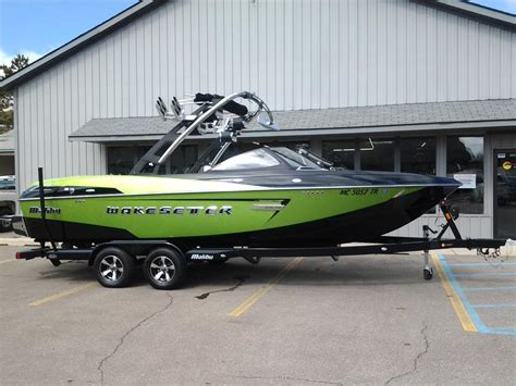 Malibu Boats Grand Rapids by 2014 Malibu Wakesetter 23 Lsv W 450hp And Trailer For