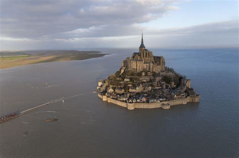 le mont michel merveille de l occident site officiel du tourisme en