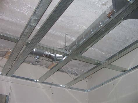 faux plafond rail montant faux plafond rail montant 28 images rails mis en place pour le faux plafond photo de le