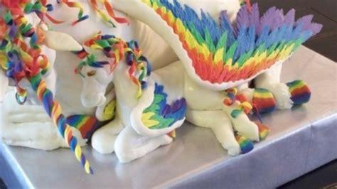regenbogen einhorn kuchen aus dem wunderland