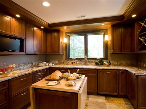 Traditional Kitchen Backsplash Ideas - portable kitchen islands pictures ideas from hgtv hgtv