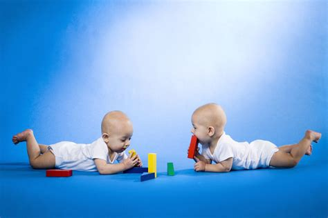 Tips For Parents Dealing With Teething Twins