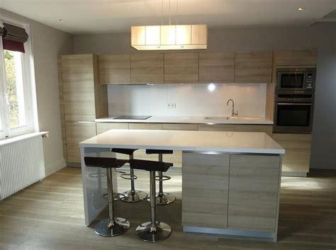 cuisine moderne blanche cuisine blanche et bois avec ilot