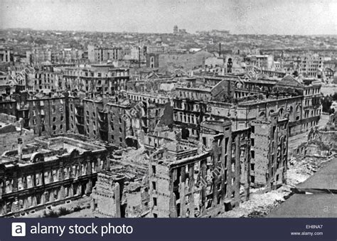 the siege of stalingrad battle of stalingrad august 1942 february 1943 ruins of