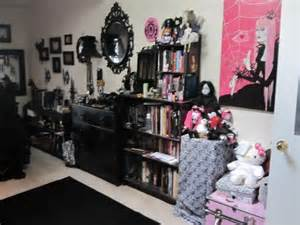 a goth s bedroom home pinterest light walls pastel