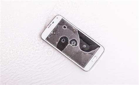 fix water damaged iphone expert guide ismash