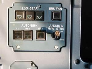 402vu Ldg Gear  Brk Panel  U2013 Simon A320