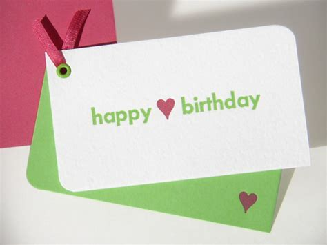 sampaikan pesan perayaan melalui kartu ucapan twiddlecard