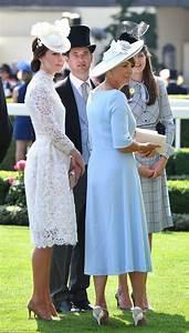 Matratzen 1 60 X 2 00 : carole middleton 62 ans a regard incroyablement jeune dans une robe bleu pastel de goa ~ Bigdaddyawards.com Haus und Dekorationen