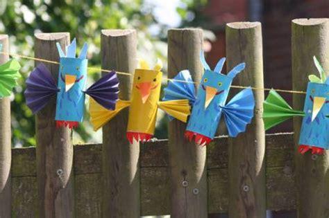 vogel basteln aus papier basteln mit kindern kostenlose bastelvorlage basteltipps f 252 r den kindergeburtstag vogel girlande