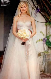 Top 10 celebrity wedding dresses of all time women39s for Reese witherspoon wedding dress
