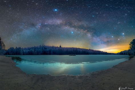 Morning Milky Way Shines Over Summer Triangle Stunning
