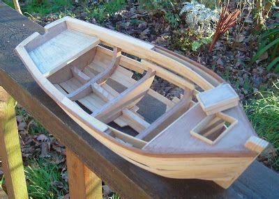 quinze marins sur le bahut du mort petit canot en