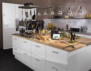 Ilot Central Pour Cuisine : un il t central pour la cuisine avec plan de travail en ~ Teatrodelosmanantiales.com Idées de Décoration