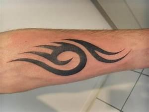 Tatouage Simple Homme : avant bras gauche ~ Melissatoandfro.com Idées de Décoration