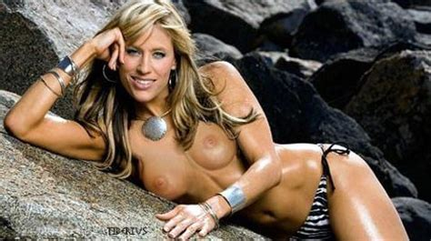 Lilian garcia strips nude, girl putting her finger in her pussy
