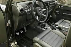 2018 Jeep Wrangler Pickup Truck Interior