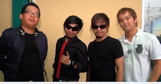 Radja adalah grup band musik asal banjarmasin yang berdiri pada tahun 17 maret 2001 yang pada saat itu grup band nya yang berjumlah lima orang yaitu kesela sebagai vokal, moldy sebagai gitaris, shuma sebagai basis dan adit menduduki sebagai drummer. Kumpulan Lagu Radja Terlaris DOWNLOAD MP3 Lengkap   Ganda Musik