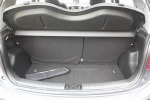 Hyundai I10 Coffre : essai vid o hyundai i 10 la menace est ici ~ Medecine-chirurgie-esthetiques.com Avis de Voitures