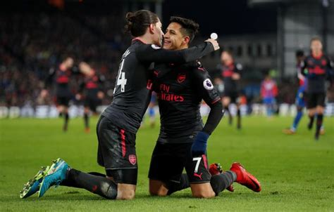 Crystal Palace 2-3 Arsenal: Sanchez double secures victory ...