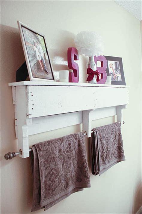 white pallet shelf  towel rack pallet furniture plans