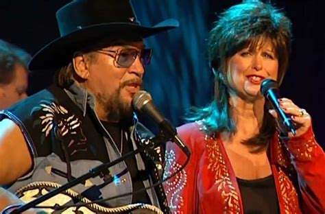 Watch Waylon Jennings And Jessi Colter Sing Their Final