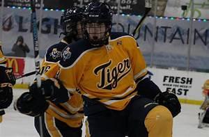 Hunter Matthews - Hockey