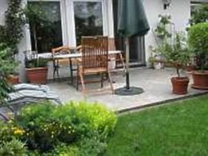 Sitzplatz Gestalten Garten : sitzplatz im garten gartengestaltung terrasse gestalten planen ~ Markanthonyermac.com Haus und Dekorationen