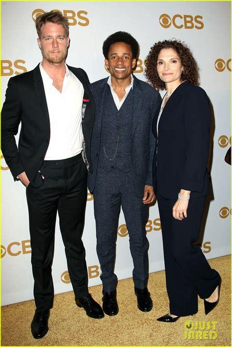 Melissa Benoist & 'Supergirl' Cast Hit the CBS Upfront ...