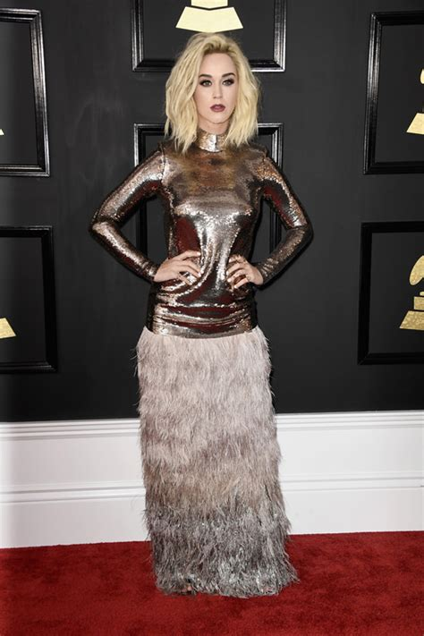 Katy Perry Grasped the Cray By Both Hands at the Grammy ...