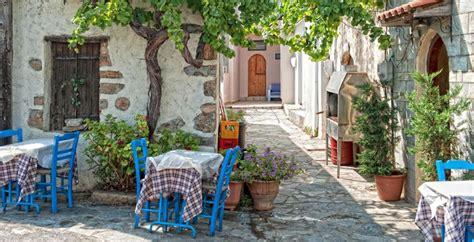 Griechische Tavernen Möbel by Kreta Unterwegs Zwischen Bergen Und Griechischen