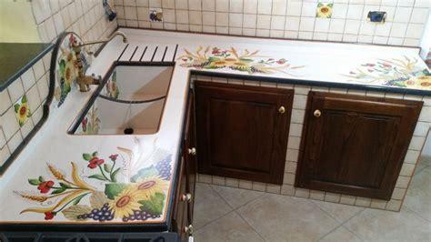 decori piastrelle cucina i decori delle cucine in muratura siciliane cu ce mur