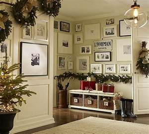 50 Fresh Festive Christmas Entryway Decorating Ideas family holiday net/guide to family