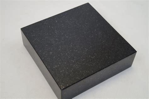 granit schwarz preis schwedischer granit schwarz 20x20x5 bronzen24 de
