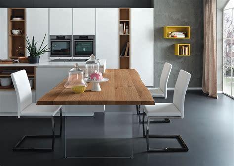 Tavolo Scortecciato piano legno massello gambe vetro