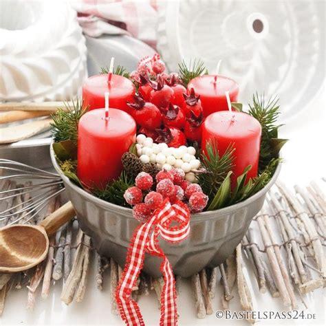 landhaus deko selber machen adventskranz im landhausstil rot wei 223 e landhaus deko selber machen o xx božić tischdeko