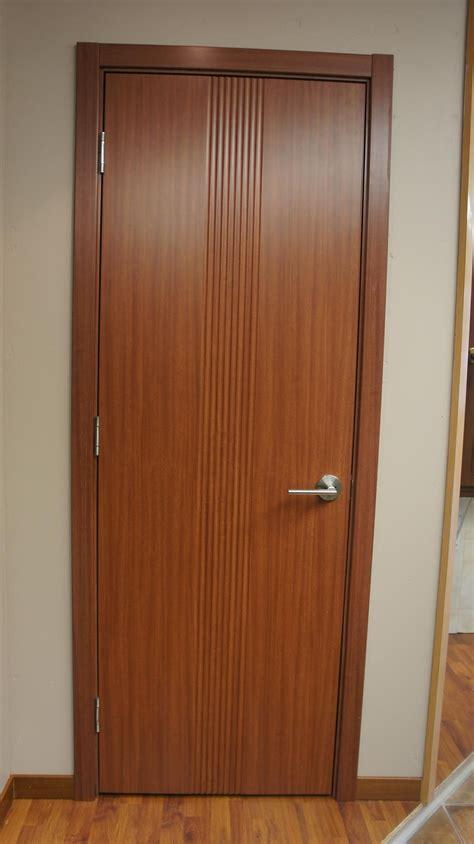 Euro 34 Sapeli Laminate Modern Interior Door   Modern Home